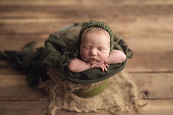 newborn photography poses, newborn photography, baby photography, calgary newborn photographer